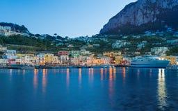 Schöne Sonnenuntergangansicht von Marina Grande, Capri-Insel, Italien stockfoto