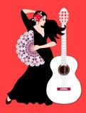 Schöne Spanierin - Flamencotänzer mit Rose auf ihrem Haar und mit Fan in ihrer Hand und in weißen Gitarre auf hellem rotem Hinter stock abbildung