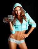 Schöne Sportfrau mit dumbbel Lizenzfreies Stockbild