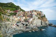 Schöne Stadt auf einem Felsen Stockfotografie