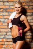 Schöne starke Sportlerin Lizenzfreie Stockbilder