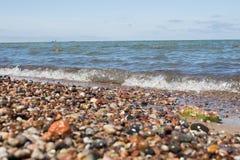 Schöne Steine auf dem Strand Stockfoto
