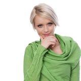 Schöne stilvolle Frau mit grünen Augen Lizenzfreie Stockfotos