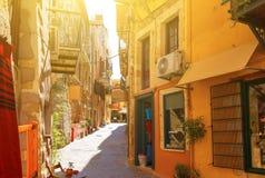 Schöne Straße in Chania, Kreta-Insel, Griechenland RAUM FÜR BEDECKUNGSschlagzeile UND TEXT stockfotografie