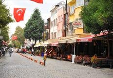 Schöne Straße von Istanbul die Türkei, touristisches Besuchsarchitekturkonzept Stockfotos