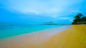 Schöne Szene in den Tunnels setzen auf der Insel von Kauai, Hawaii, USA auf den Strand stockfotografie