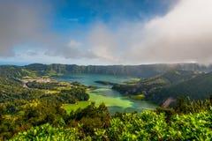 Schöne szenische Landschaft von Azoren-Sao Miguel Island Sete Cidades lizenzfreie stockfotos
