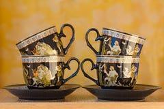 Schöne Teetassen und untertassen Lizenzfreie Stockfotos