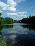 Schöne Teichlandschaft lizenzfreies stockbild
