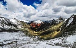 Schöne Tibet-Landschaft im Porzellan Stockbild