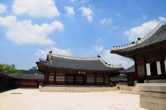 Schöne traditionelle Architektur in Seoul, Korea, öffentlicher Ort Lizenzfreies Stockbild