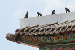 Schöne traditionelle Architektur in Seoul, Korea, öffentlicher Ort Lizenzfreie Stockbilder