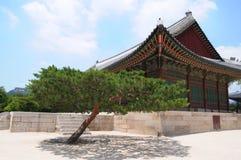 Schöne traditionelle Architektur in Seoul, Korea, öffentlicher Ort Stockbilder