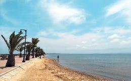 Schöne tropische Seeansicht Szenische Landschaft mit moutain Inseln und blauem Meer in Spanien lizenzfreie stockbilder