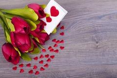 Schöne Tulpen und Herzen Lizenzfreie Stockbilder