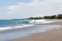 Schöne unberührte Küste in den Tropen Lizenzfreie Stockbilder