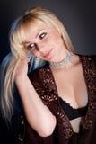schöne und attraktive junge blonde Dame Stockfotografie