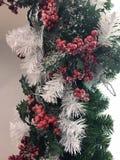 Schöne und glänzende Weihnachtsspielwaren, Dekoration Stockfotos