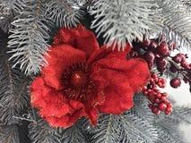 Schöne und glänzende Weihnachtsspielwaren, Dekoration Lizenzfreie Stockbilder