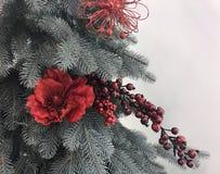 Schöne und glänzende Weihnachtsspielwaren, Dekoration Lizenzfreies Stockfoto