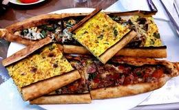 Schöne und köstliche Pizza Stockfotos
