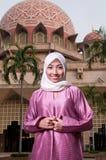Schöne und süße asiatische malaysische moslemische Dame Stockfoto