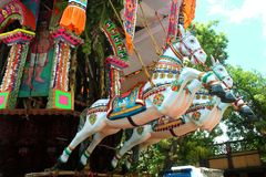 Schöne Verzierungen des parivar Tempelautos am großen Tempelautofestival des thiruvarur sri thyagarajar Tempels lizenzfreie stockfotografie