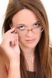Schöne vierzehn Einjahres in den Brillen Stockfotos