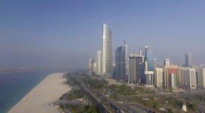 Schöne Vogelperspektive von Abu Dhabi, UAE Stockbilder