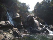 Schöne Wasserfälle lizenzfreies stockbild