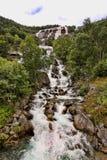 Schöne Wasserfälle in den norwegischen Bergen, Norwegen, Skandinavien stockfotos