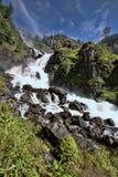 Schöne Wasserfälle in den norwegischen Bergen, Norwegen, Skandinavien lizenzfreies stockfoto