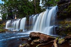 Schöne Wasserfälle in Keila-Joa, Estland lizenzfreie stockbilder