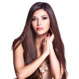 Schöne weiße hübsche Frau mit dem langen geraden Haar Stockbilder