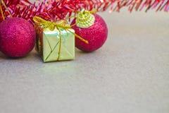 Schöne Weihnachtsdekorationen und -guten Rutsch ins Neue Jahr Lizenzfreies Stockbild