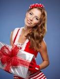 Schöne Weihnachtsfrau Stockfotografie