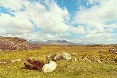 Schöne Weinlese tonte szenische irische Landschaftslandschaft der Art von der Nordwest-achill Insel Stockfotos