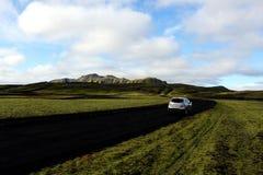 Schöne wilde Landschaften in Island mit dem Auto stockfoto