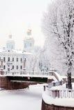 Schöne Winteransicht der Brücke Stockfotografie