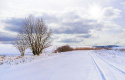Schöne Winterlandschaft in der Kleinstadt Kula, Serbien, Eurupa lizenzfreies stockfoto