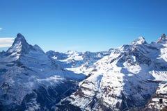 Schöne Winterlandschaft in der Schweiz stockfotos