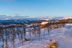 Schöne Winterlandschaft während des Sonnenaufgangs in Beitostolen Stockbild