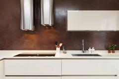 Schöne Wohnung versorgt Lizenzfreies Stockbild