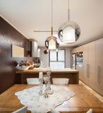 Schöne Wohnung versorgt Stockfotos