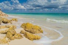 Schöne Wolken über dem Ozean Schöner Strand Isla BLANCA Lizenzfreies Stockfoto