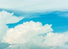 Schöne Wolken lizenzfreie stockfotos