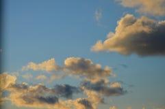 Schöne Wolken lizenzfreie stockfotografie