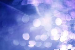 Schöner abstrakter bokeh Strahl des Lichtes Stockfoto
