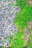 Schöner abstrakter Hintergrund mit trockenen runden reeble Steinen Stockbild
