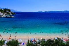 Schöner adriatischer Strand und Lagune Stockbild